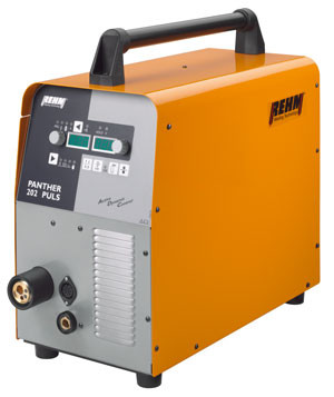 Portable MIG / MAG pulse welding machine with 200 Amp