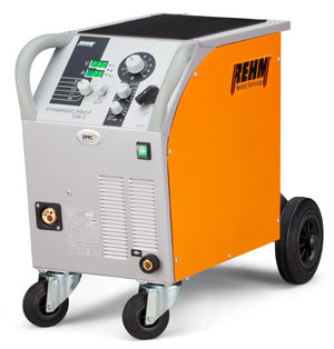 MIG / MAG welding machine SYNERGIC.PRO² with 230 Amp at 40% duty cycle and 400 V