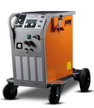 MIG / MAG pulse welding machine SYNERGIC.PULS with 430 Amp and gas cooling